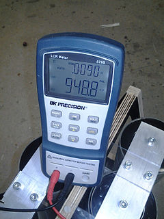 LCR meter Electronic test equipment that measures inductance, capacitance, and resistance