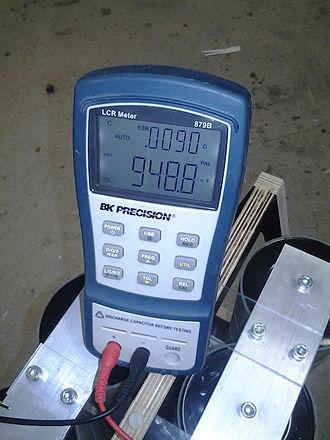LCR meter - Handheld LCR meter