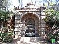 Laberint d'Horta - Font grutesca.jpg