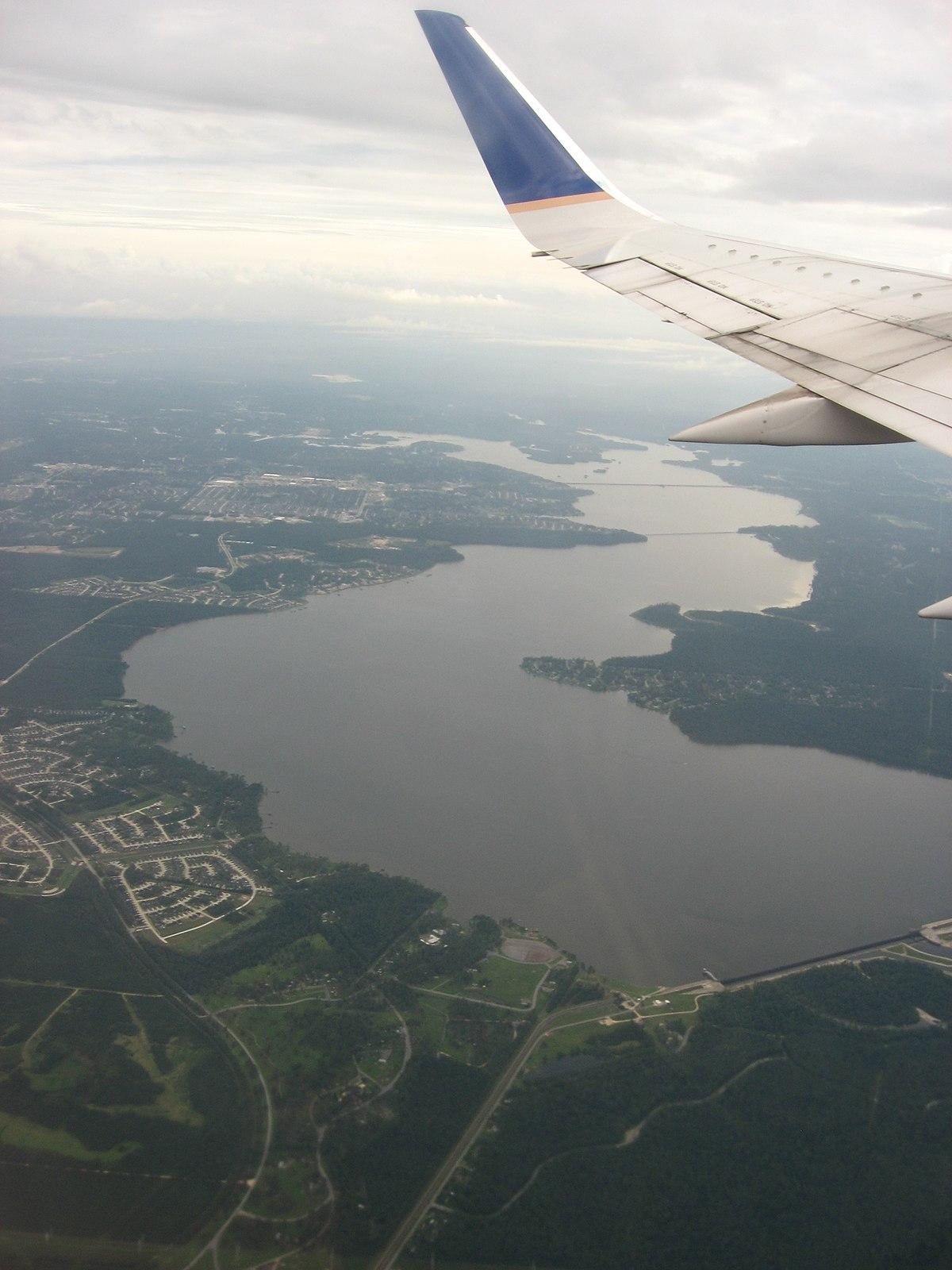 File:Colorado River and Austin, Texas Skyline (46879015824