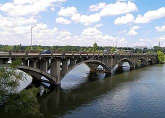 Texas State Highway Loop 343 - Loop 343 (Lamar Boulevard) crossing Town Lake