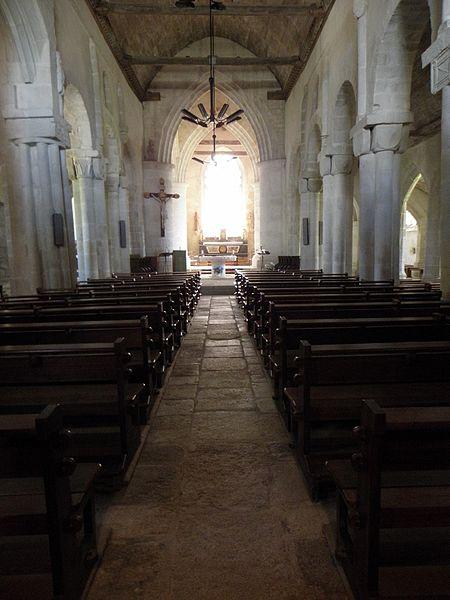 Nef de l'église Saint-Pierre-et-Saint-Paul de Langonnet (56).