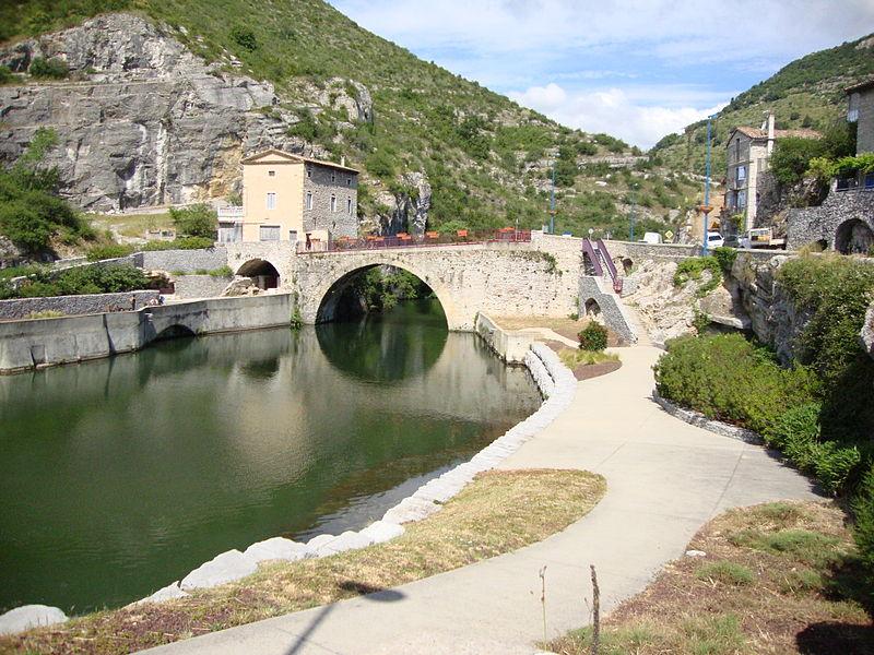 File:Le Pouzin (Ardèche, Fr) l'Ouvèze au Pont Romain.JPG