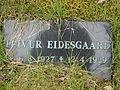 Leivur Eidesgaard (mindesten).JPG