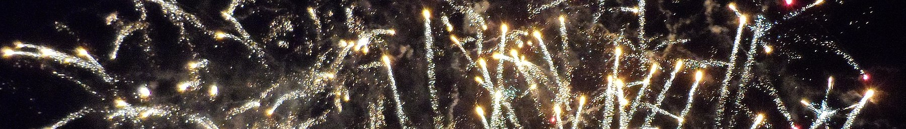 Lewes banner Bonfire Night fireworks display.JPG
