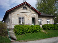 Liiva railway station building 15May2009.jpg