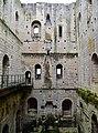 Loches Cité Royale Donjon Innen 07.jpg