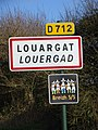 Louargat. Panneau d'agglomération.jpg