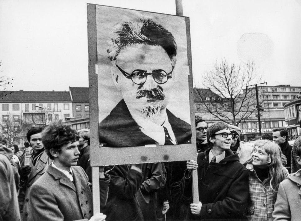 Ludwig Binder Haus der Geschichte Studentenrevolte 1968 2001 03 0275.4212 (17086177105)