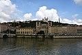 Lyon, an der Saône, Cathédrale Saint-Jean-Baptiste (12.), hinten Notre-Dame de Fourvière (19.) (41976210304).jpg