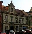 Měšťanský dům U kamenného orla, U Celestýnů (Staré Město), Praha 1, Dlouhá 26, Staré Město - jiný pohled.JPG