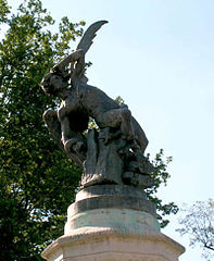 Madrid fuente del ángel caido 2005-06-28.jpeg