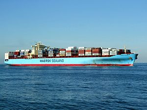 Maersk Kolkata p03 approaching Port of Rotterdam, Holland 21-Feb-2005.jpg