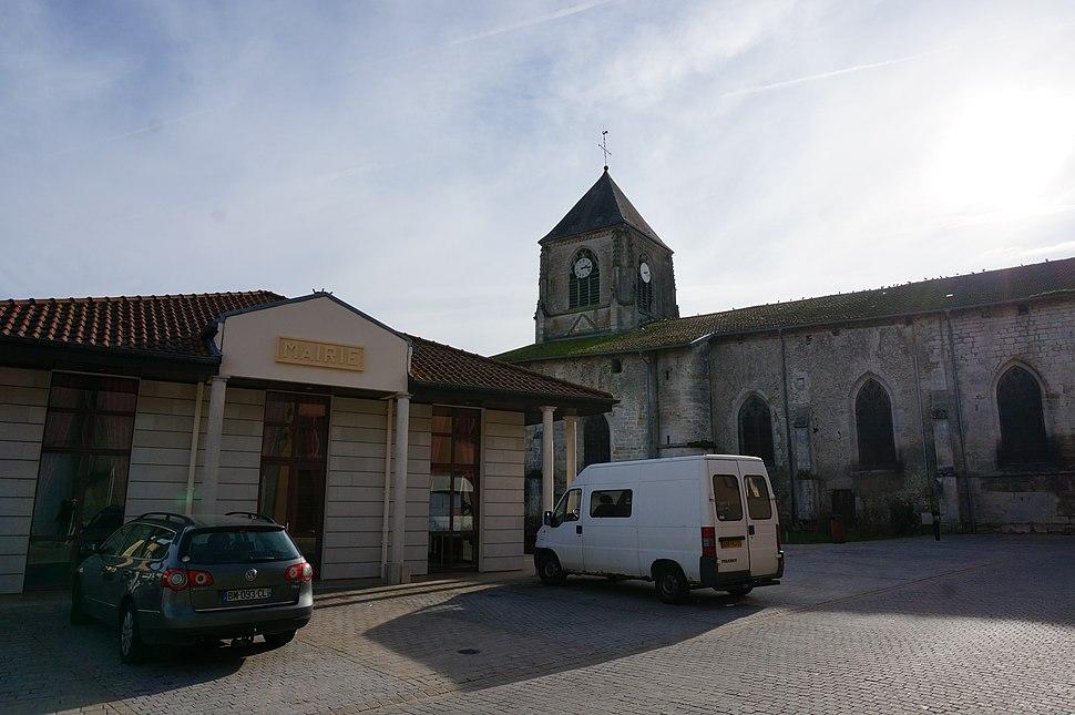 Mairie église 02156