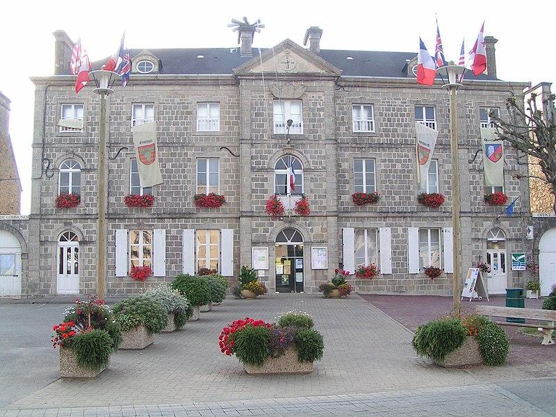 Mairie de Quettehou dans la Manche