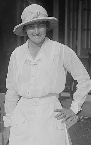 1912 in sports - American tennis champion Mary Browne