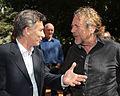 Mauricio Macri con Robert Plant, Huesped de Honor de la Ciudad (8148739601).jpg