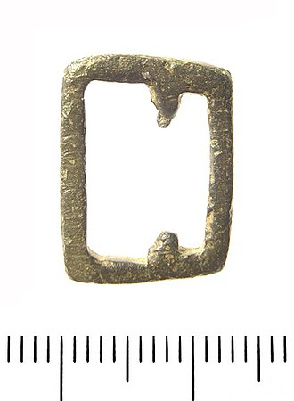 Belt (clothing) - Image: Medieval Belt Loop. (Find ID 114251)