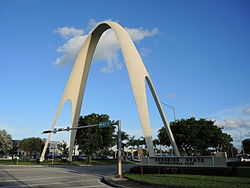 The Sunshine State Arch of Miami Gardens in 2014