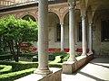 Milano Grazie Chiostro2.JPG