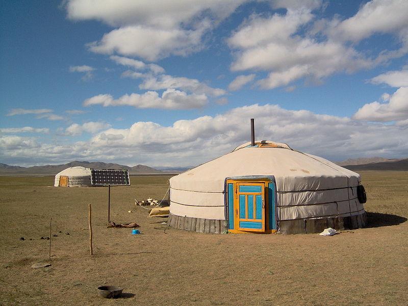 Yurta, la casa nómade Mongol 800px-Mongolia_013