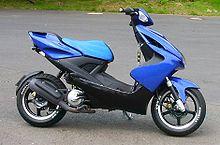 Yamaha Aerox, einer der meistverkauften Motorroller in Deutschland  220px-Motorroller_Aerox