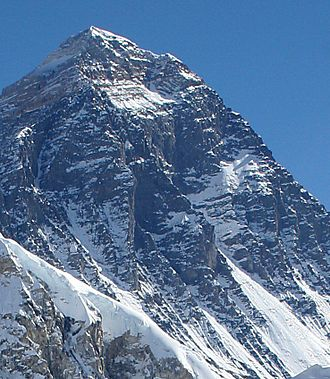1975 British Mount Everest Southwest Face expedition - Image: Mount Everest, upper Southwest face