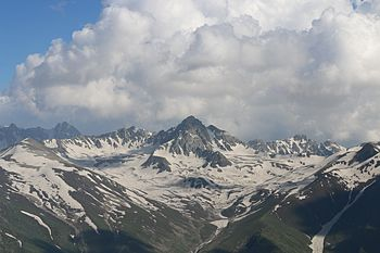 Mountains in Kashmir - Largeside.jpg