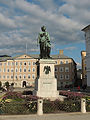 Mozartdenkmal am Mozartplatz.jpg