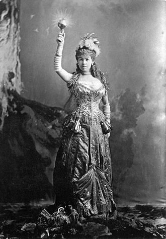 "Alice Claypoole Vanderbilt - Gwynne as ""The Electric Light"" at a costume ball on March 26, 1883"