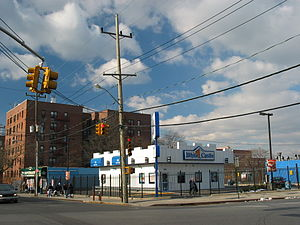 White Castle at the corner of Mott Ave and Bae...