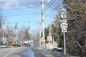 Hopewell Junction, New York - The NY 376 and NY 82 junction, which is located in Hopewell Junction