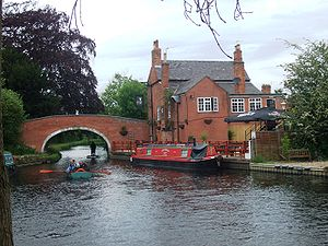 Barrow upon Soar - Bridge over the River Soar next to the Navigation