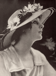 220px-Nell_Shipman_Photoplay_Nov_1918.pn