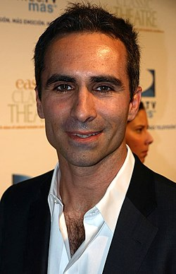 Nestor Carbonell, interprète de Richard Alpert.