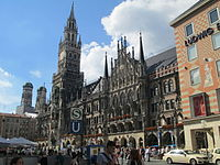 New Town Hall - Munich (1).JPG