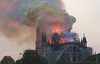 Notre-Dame en feu, 20h06.jpg