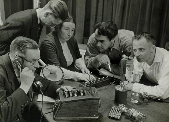 Opname van een hoorspel Recording a radio play