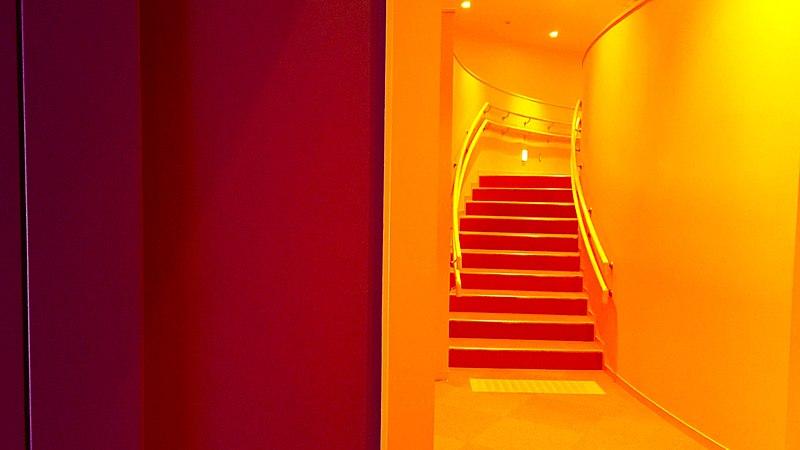 File:Orange Stairs (28552515024).jpg