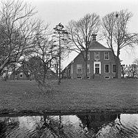 Overzicht boerderij met bijgebouw - Bovenhuizen - 20397267 - RCE.jpg