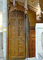 P1280868 Angers eglise Trinité escalier rwk.jpg