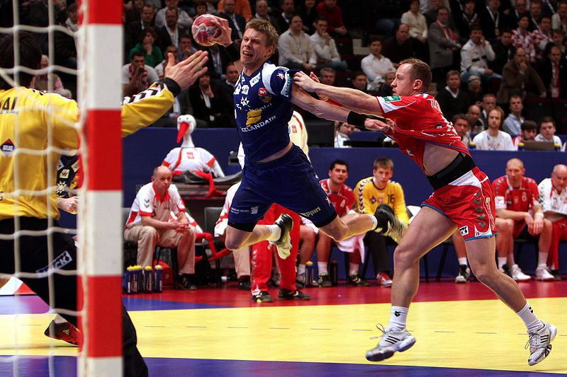 external image 800px-POL_-_ISL_%2803%29_-_2010_European_Men%27s_Handball_Championship.jpg