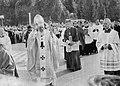 Papież Jan Paweł II i kardynał Stefan kardynał Wyszyński w drodze na plac Zwycięstwa w dniu 2 czerwca 1979.jpg