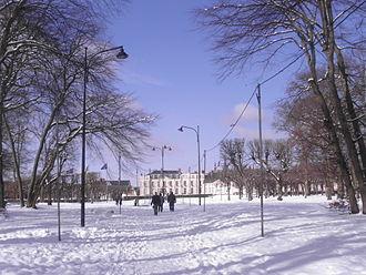 Dourdan - Townhall in front of François Mitterrand park.