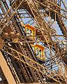 Paris - Eiffelturm - Aufzug2.jpg