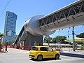 Passarela e o edifício empresarial Jopin ao fundo - Bairro do Pina - Zona Sul - Recife, Pernambuco, Brasil (8646322996).jpg