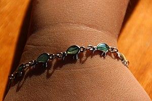 Pāua - A paua shell bracelet
