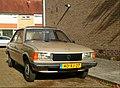Peugeot 305 GR (44490397505).jpg