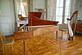 Pianoforte by Érard brothers & gilded wooden harp by François-Joseph de Frey - Salon de musique, Château de Valençay (2015-06-07 11.17.33 by Frédéric BISSON).jpg