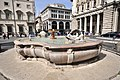 Piazza Colonna - panoramio - Vlad Lesnov.jpg
